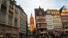 Kaiser Dom from Romer Platz